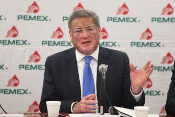 JOSE ANTONIO ESCALERA ALCOCER DIR. DE EXPLORACION DE PEMEX EXPLORACION EN CONFERENCIA DE PRENSA. FOTO : HUGO SALAZAR / EL ECONOMISTA .