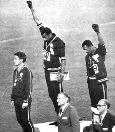 protesta en las olimpiadas del 68 medium